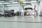 Réparation de voitures dans le garage station à Moscou — Photo