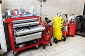 Cars in dealer repair station in Tula — Stock Photo