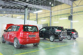 Cars in  dealer repair station in Serpuhov — Stock Photo