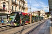 Tram colorati a montpellier, francia — Foto Stock