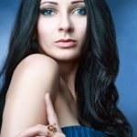 vacker kvinna med kvällen make-up — Stockfoto #68520715