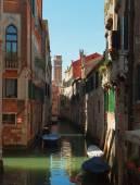在威尼斯的美丽运河 — 图库照片