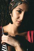 Yüzüğü olan kadın — Stok fotoğraf