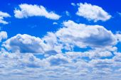 Clouds in the blue sky — Stock Photo
