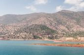 Lake among the mountains, Morocco — 图库照片