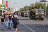 Transporte militar después de desfile de la victoria — Foto de Stock