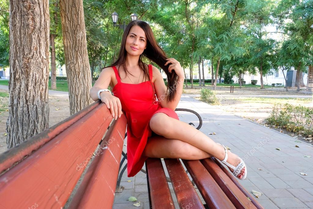 Домашнее фото девушек в парке10