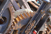 Rusted Engine Background with wheels and chains — ストック写真