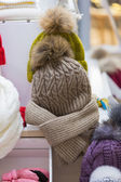 Sale knitted winter hats — Foto Stock