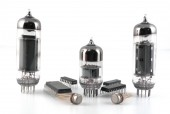 Vacuum radio tubes and semiconductor chips — Stok fotoğraf