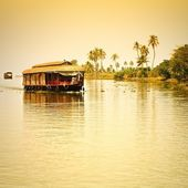 Traditional Inian house boat — Stock Photo