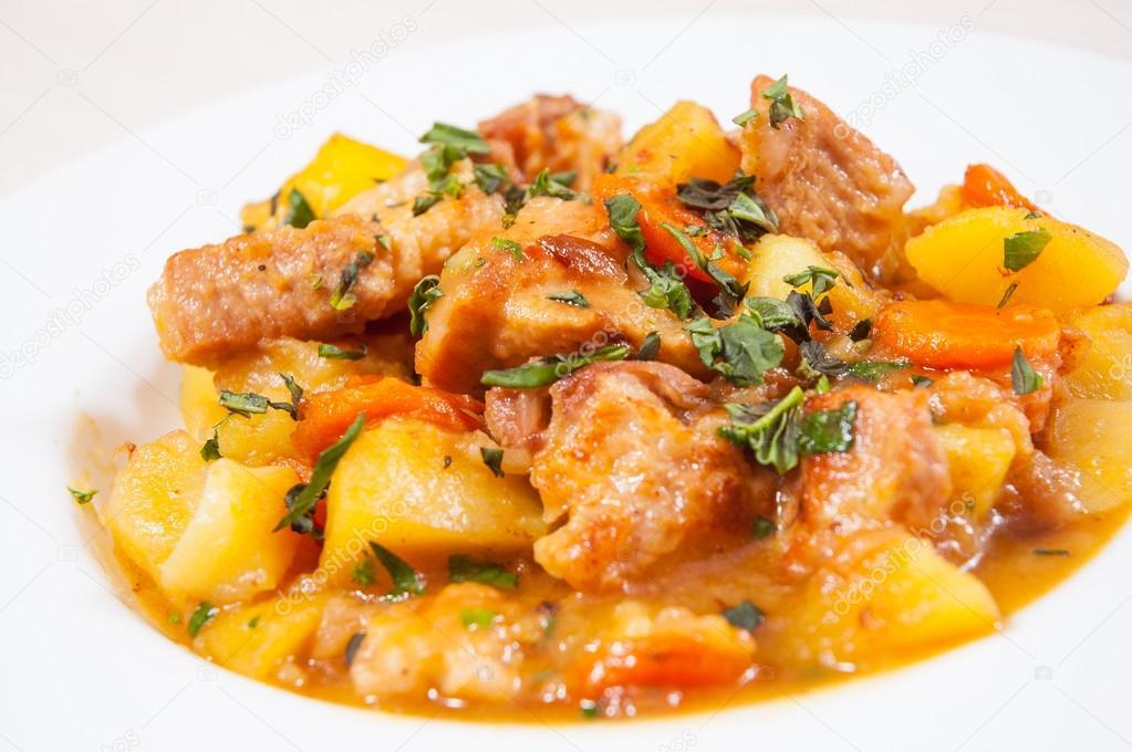 Потушить курицу с картошкой в казане рецепт пошагово