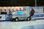 Machine for resurfacing ice — Stock Photo