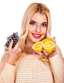 Woman with tablets and lemon. — Stock Photo