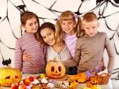 Children holding make carved pumpkin. — ストック写真