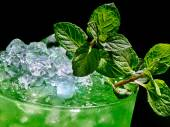 Green drink  with crushed ice — Fotografia Stock