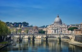 View of St. Peter's Basilica and Bridge Sant Angelo, Rome — Stock Photo