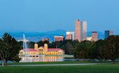 Skyline of Denver at dawn — Stock Photo