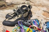 Close up of rubber climbing shoe on rock — Stock Photo