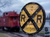 Old wooden railroad RR sign with caboose — Stock Photo