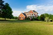 Front elevation large single family home — Stock Photo