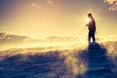 Wanderer an der Spitze — Stockfoto