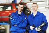 Repairman auto mechanic workers — Stock Photo