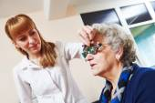 Eye examinations at ophthalmology clinic — Stock Photo