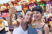 Happy Young Women Taking Selfie at Luna Park — Stock Photo