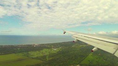 Landing at Pisa Airport — Stock Video