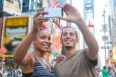 Young Couple Taking Selfie in Times Square — Stock Photo