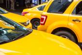 Yellow Cabs in New York — Stock Photo