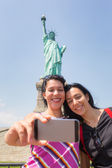 Women Taking Selfie with Statue of Liberty — Stock Photo
