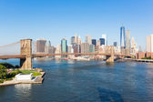 Brooklyn Köprüsü ve New York şehir manzarası — Stok fotoğraf