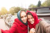 Arab Women Wearing Veil Taking Selfie in Istanbul — Stock Photo