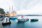 Ortakoy Mosque and Bosphorus Bridge in Istanbul at Dusk, Turkey — Stock Photo
