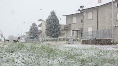 Backyard winter scene — Stock Video