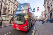 Famous Double-Decker Red Bus — Stock Photo