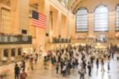 Crowded Grand Central Station at rush hour. Blurred Background. — Stock Photo