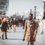 Man walking in London on Thames sidewalk — Stock Photo #69221319