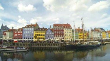 Copenhagen eski şehrin renkli evleri — Stok video
