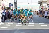 Team Astana leading the group — Foto Stock