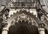 Doorway of St. Peter and Paul Cathedral in Brno — Stock fotografie