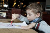 Dětské kresby v kavárně — Stock fotografie