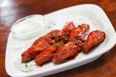 Chicken wings with sauce — Foto Stock