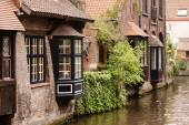 Buildings over canal — Stock Photo