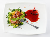 Steak with broccoli — Stock Photo