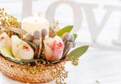 Flowers and candle decorations — Stock Photo