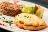 Schnitzel with buckwheat — Stockfoto