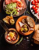 スペイン料理の夕食のテーブルの上 — ストック写真